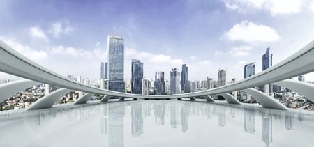 空床と現代的な都市の景観 写真素材