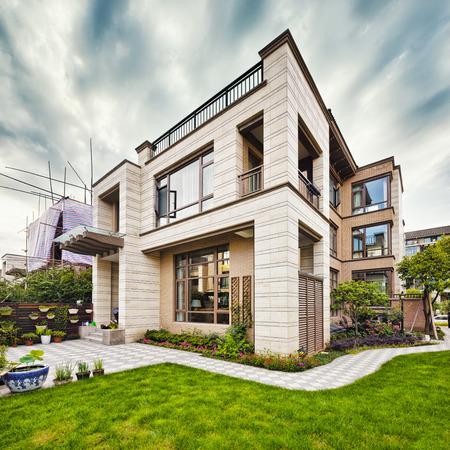 exterior architecture: luxury villa exterior