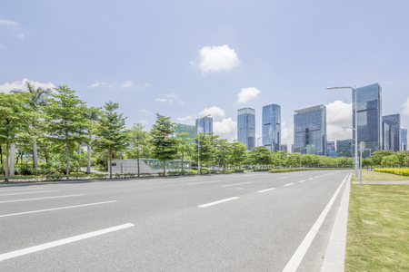 empty Asphalt road and modern city shenzhen in china Banque d'images