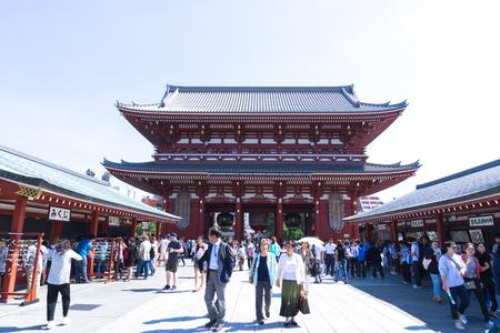 crowded: crowded people in sensoji temple