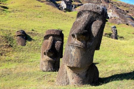モアイ イースター島、チリの採石場で 写真素材