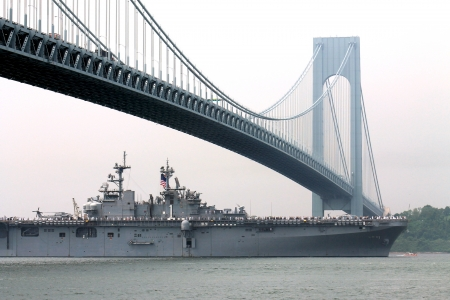 USS Wasp warship, New York harbor Stock Photo - 15640480