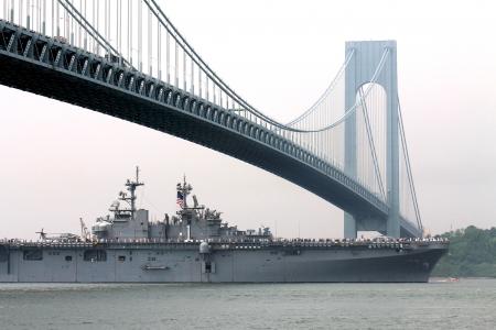 USS Wasp warship, New York harbor Stock Photo - 15640480