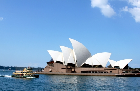 SYDNEY, AUSTRALIA - APRIL 3:Sydney Opera House and ferry boat at Circular Quay on April 3, 2011 in Sydney.