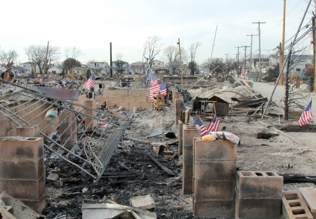 BREEZY POINT, NY - NOVEMBER 20: Burned house in the aftermath of Hurricane Sandy on November 20, 2012 in Breezy Point, NY. More than 80 houses were destroyed in out-of-control six-alarm blaze. Редакционное