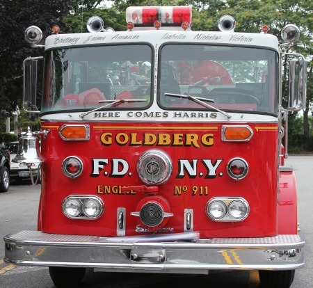 Brooklyn, NEW YORK - JULY 15:Fire truck on display at the Mill Basin car show held on July 15, 2012 in Brooklyn, New York Stock Photo - 17809001