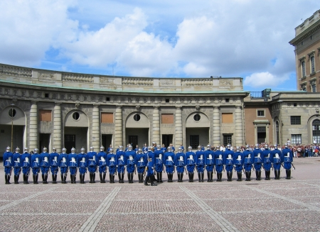 sweden flag: STOCKHOLM, SWEDEN - AUGUST 5: The ceremony of changing the Royal Guard on August 5, 2005. It is the King of Swedens guard of honor and is responsible for the protection of the Royal Family