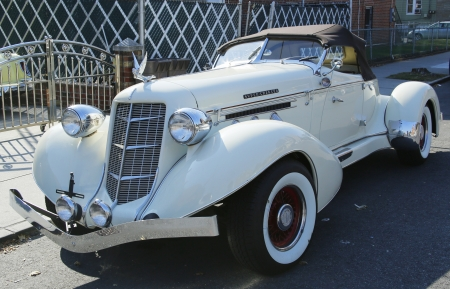 speedster: BROOKLYN, NY - OCTOBER 29  1935 Auburn 851 Speedster Boat Tail car in Brooklyn on October 29, 2013  Auburn was a brand name of American automobiles produced in Auburn, Indiana from 1900 through 1936 Editorial