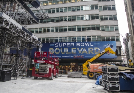 super bowl: NEW YORK - JANUARY 26  Super Bowl Boulevard construction underway on Broadway during Super Bowl XLVIII week in Manhattan on January 26, 2014