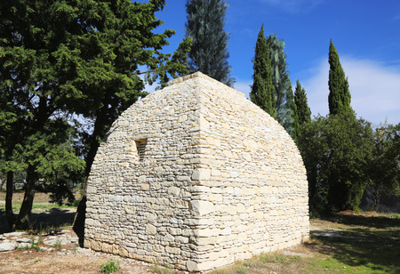 drystone: Borie or dry-stone hut in Gordes, Provence, France
