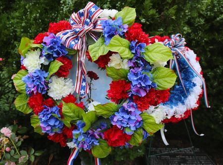 군사 기념관에서 현충일에 화환