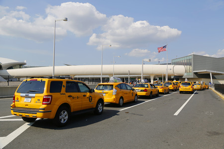 jetblue: NEW YORK- JULY 10  New York Taxi line next to JetBlue Terminal 5 at John F Kennedy International Airport in New York on July 10, 2014   Editorial