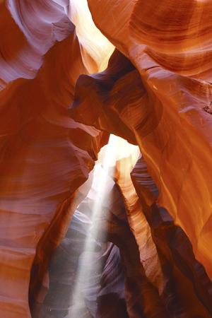 Light beam in Upper Antelope Canyon, Arizona Imagens