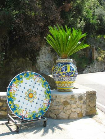 sycylijski: Typowy sycylijski ceramiczne, szkliwione