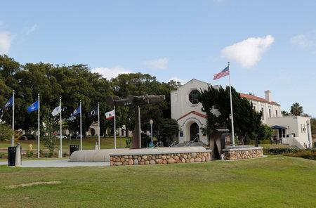 the liberator: SAN DIEGO, CALIFORNIA - 28 settembre: B-24 Liberator Scultura nella parte anteriore del Veterans museo e centro Memorial al Balboa Park di San Diego il 28 settembre 2014