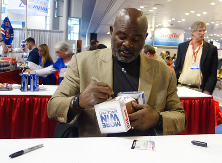 taylor: NEW YORK CITY - NOVEMBER 30 Lawrence Taylor, New York Giants linebacker and Hall of Famer,  during autographs session in New York on November 30, 2014 Editorial