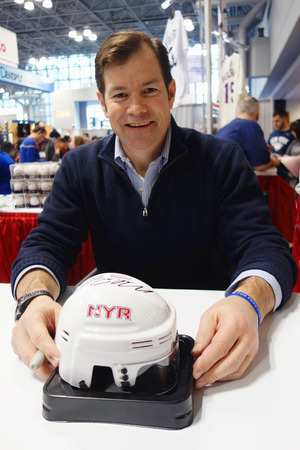 richter: NEW YORK CITY - NOVEMBER 30 Mike Richter, New York Rangers Goalie and Hall of Famer,  during autographs session in New York on November 30, 2014
