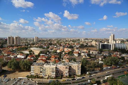 Beer Sheba, Israël - 28 november: Luchtfoto van Beer Sheba op 28 november, 2014. Beer Sheba is de grootste stad in de Negev-woestijn in het zuiden van Israël Redactioneel