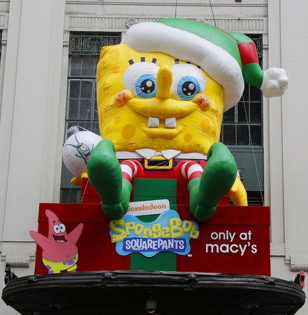 world   s largest: NEW YORK - DECEMBER 18: SpongeBob Squarepants decoration at Macy s at Herald Square on Broadway in Manhattan on December 18 , 2014. In 1924 Macy s was declared the  World s Largest Store Editorial