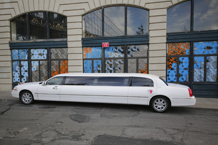 BROOKLYN, NY - NOVEMBER 9, 2014: Bridal limousine in DUMBO neighborhood in Brooklyn. The first stretch limousine was created in Fort Smith, AR around 1928 by a coach company named Armbruster Redakční