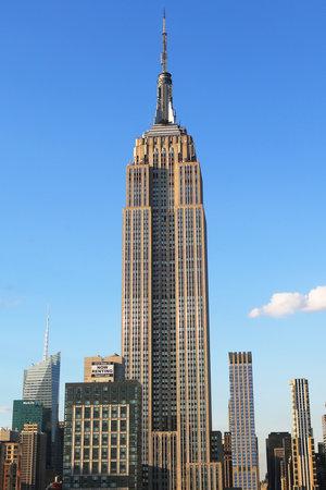 ニューヨーク - 2015 年 8 月 1 日: エンパイア ・ ステート ・ ビルディングをクローズ アップ。エンパイア ・ ステート ・ ビルディングは 102 階建て 報道画像