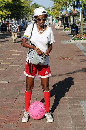 billie: NEW YORK - AUGUST 25, 2015: Unidentified tennis fan at Billie Jean King National Tennis Center in New York
