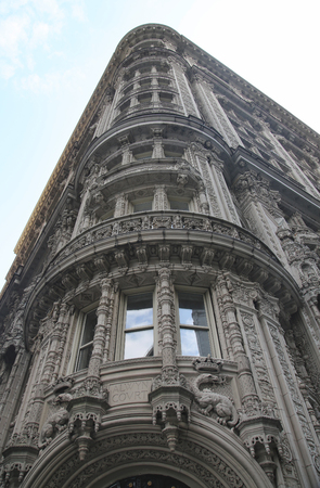 french renaissance: NEW YORK - OCTOBER 8, 2015: Facade of famous Alwyn Court in midtown Manhattan. It was built between 1907 and 1909, and was designed by Harde  Short in French Renaissance style