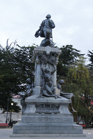 tierra: PUNTA ARENAS, CHILE - APRIL 4, 2015: Memorial to Ferdinand Magellan in Punta Arenas, Chile Editorial