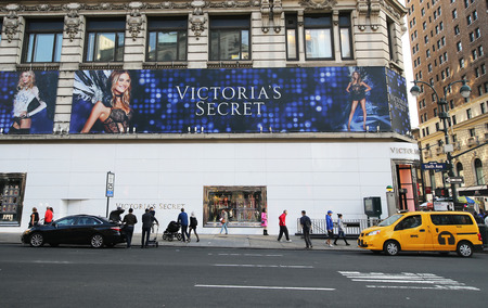 herald: NEW YORK CITY- DECEMBER 13, 2015:Victorias secret store at 34th Street Herald Square in New York