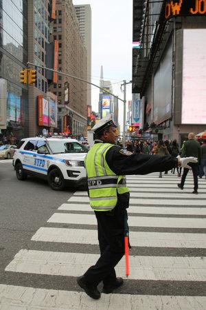 NEW YORK - DECEMBER 25, 2015: NYPD Traffic Control Police Officer in Lower Manhattan Sajtókép