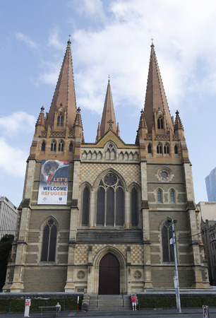 st paul s cathedral: MELBOURNE, AUSTRALIA - JANUARY 25, 2016: St. Paul s Cathedral in Downtown Melbourne. The cathedral was built in stages and is one of the City of Melbourne s major landmarks Editorial