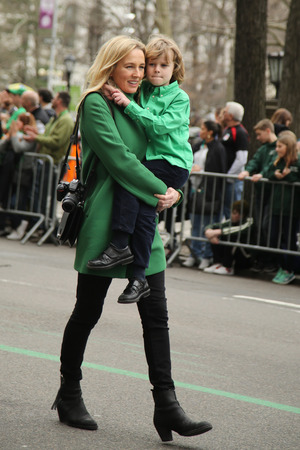 st  patrick s: NEW YORK - MARCH 17, 2016: Families with young kids marching at the St. Patrick s Day Parade in New York. Editorial