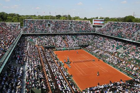 パリ、フランスのパリ、フランス-2015 年 5 月 29 日: Roland Garros 2015 中ル スタッド ローラン ・ ギャロスでリップ Chatrier 一致します。
