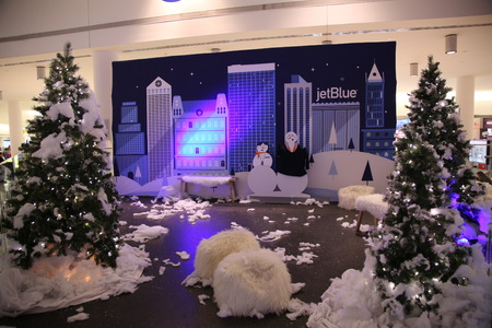 jetblue: NEW YORK - DECEMBER 30, 2015: Christmas decoration in JetBlue Terminal 5 at JFK Airport