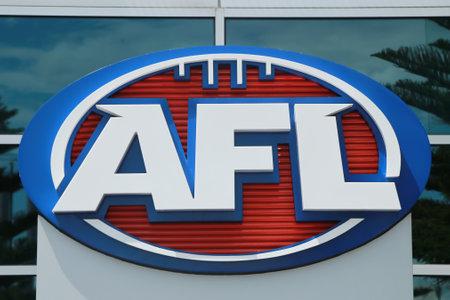MELBOURNE, AUSTRALIA - 31 de enero de 2016: Logo de la Liga Australiana de Fútbol en el Estadio Etihad en los Docklands, Melbourne. AFL es la competencia profesional en el deporte de las reglas australianas de fútbol