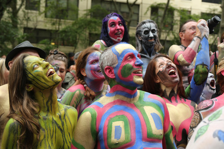 artistic nude: NEW YORK - JULY 9, 2016: Painted fully nude models of all shapes and sizes celebrate third NYC Body Painting Day in midtown Manhattan featuring artist Andy Golub in New York Editorial