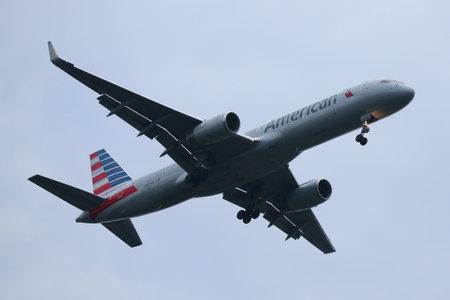 NEW YORK - JULY 28, 2016: American Airlines Boeing 757 descending for landing at JFK International Airport in New York