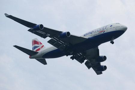 boeing 747: NEW YORK - JULY 28, 2016: British Airways Boeing 747 descending for landing at JFK International Airport in New York