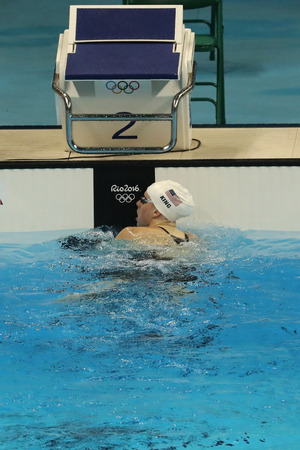 piscina olimpica: RIO DE JANEIRO, BRAZIL - AUGUST 10, 2016: Olympic champion Lilly King of the United States after the Womens 200m Breaststroke Final of the Rio 2016 Olympic Games at the Olympic Aquatics Stadium