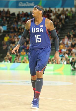 RIO DE JANEIRO, BRASIL - 10 de agosto, 2016: campeón olímpico Carmelo Anthony del equipo de EE.UU. en la acción en el grupo A partido de baloncesto entre el equipo de EE.UU. y Australia de los Juegos Olímpicos Rio 2016