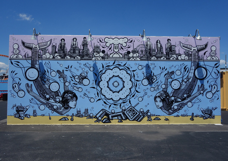NEW YORK - 21. JUNI 2016: Mural Art bei neuen Street Art Attraktion Coney Art Walls auf Coney Island Abschnitt in Brooklyn Standard-Bild - 80742637
