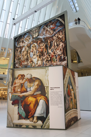 NEW YORK - JULY 16, 2017: Michelangelo's Sistine Chapel Up Close exhibition by Westfield taking place at the World Trade Center Oculus in New York 新聞圖片