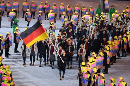 RIO DE JANEIRO, BRAZILIÃ‹ - AUGUSTUS 5, 2016: Het olympische team Duitsland marcheerde in Rio 2016 Olympics openingsceremonie bij Maracana-Stadion in Rio de Janeiro