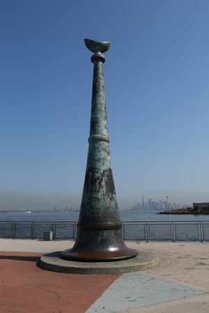 BROOKLYN, NEW YORK - AUGUST 3, 2017: Brooklyn Remembers September 11 memorial located at 69 Street pier and overlooking World Trade Center site in Bay Ridge, Brooklyn 에디토리얼