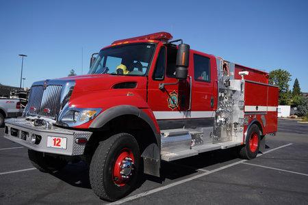 OAKHURST, CALIFORNIA - SEPTEMBER 20, 2017: The Madera County Fire Department truck in Oakhurst, California. Stock Photo - 87143943