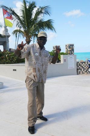 NASSAU, BAHAMAS - DECEMBER 5, 2017: Staff member at the Sandals Royal Bahamian Luxury Resort in Nassau, Bahamas 新闻类图片