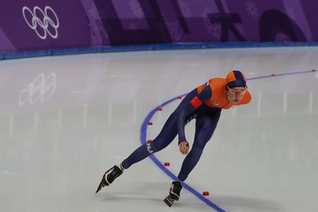 GANGNEUNG, SOUTH KOREA - FEBRUARY 16, 2018: Olympic champion Esmee Visser of Netherlands competes in the Ladies' 5,000m Speed Skating at the 2018 Winter Olympic Games at Gangneung Oval Stockfoto - 98651161