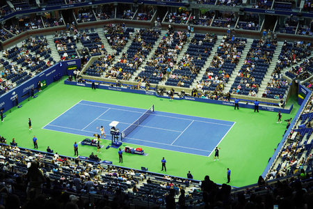 NEW YORK - SEPTEMBER 3, 2018: Arthur Ashe Stadium at the Billie Jean King National Tennis Center during night session at the 2018 US Open tournament in New York 新聞圖片