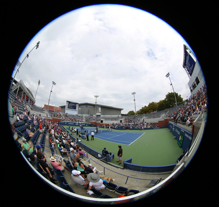 NEW YORK - SEPTEMBER 1, 2018: Court 17 at the Billie Jean King National Tennis Center during 2018 US Open tournament in Flushing, NY 新聞圖片
