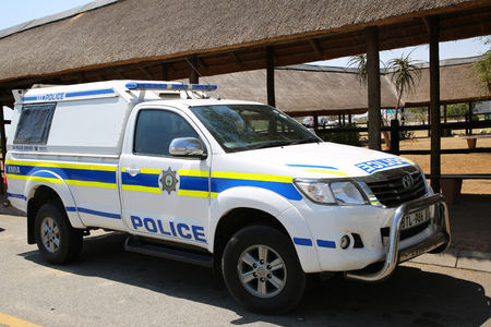 MPUMALANGA, SOUTH AFRICA - OCTOBER 2, 2018: South African Police Service provides security in Kruger Mpumalanga International Airport, South Africa. Standard-Bild - 122072306